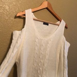 Venus cold shoulder sweater, off white, size L